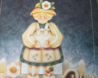 """K Decorative 1995 Folk Art Tole painting """"Primrose Patches """"  by Kay Quist  used book 48 pages"""