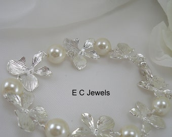 Alternating Orchid and Pearls Bracelet