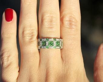 18k White Gold Diamond and Green Garnet Gemstone Band