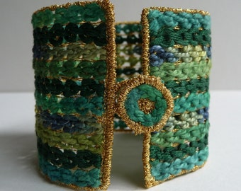 PDF Textile Jewellery: Cuff Bracelet Tutorial Project, mix machine stitch and hand embroidery (Raised Chain Band) on dissolvable fabric