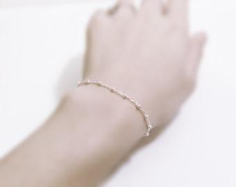 Sisters memento (bracelet) - Dainty satellite layering bracelet