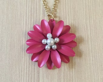Hot pink daisy necklace