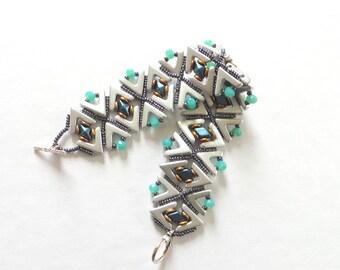 Bracelet tissé de perles, Printemps