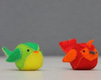 Little felt lovebirds (caketopper, toy, decoration, stuffed animal)