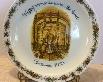 Vintage Holly Hobbie Christmas Plate 1972, American Greetings Commemorative Edition Shabby Chic Wall Plate