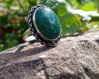 Aventurine ring size 62 or US 10, enhances the connection with the beings of light.