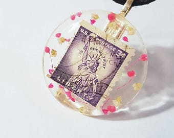Stamp Real Flowers Necklace Bohemian Jewelry Nature  America American United States Resin Vintage Statue of Liberty USA Pendant