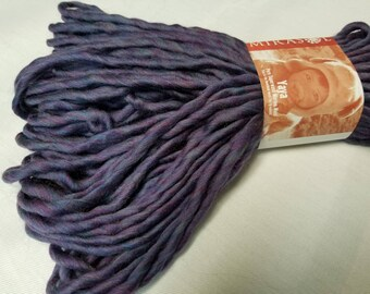 Mirasol Yaya Yarn - 100% Bulky wool
