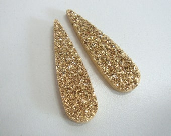 1, 2 pcs, 35x10mm, 24K Real Gold Titanium Elongated Tear Drop Druzy Drusy Pendant Finding, Sparkles, Drilled side to side at the top, G3510