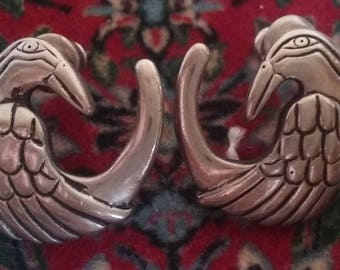 Unique round bird earrings