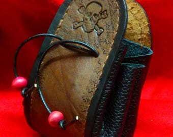 Purse in leather, inspired Pirate, burning, dyeing and sewing entirely by hand, black and Brown