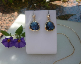 Gold Stud Earrings, 585 goldfilled with Crystal glass in blue
