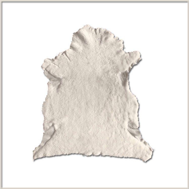 A100-P    Peau Peau Peau Cuir d'AGNEAU de TOSCANE ECRUE - Poils Courts   356c7e