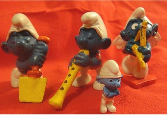 Awesome! Vintage Peyo Smurf & Smurfette PVC Figurines from 1978 and Up