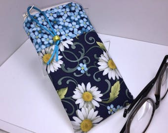 Daisy Eyeglass Case, Glasses Case, Fabric Eyeglass Pouch, Zip Top Eyeglasses Case, Sunglass Case