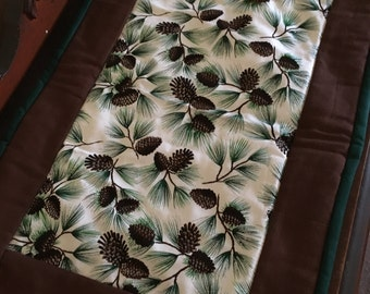 Sparkly Pinecone Quilted Tablerunner