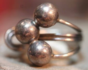 Old vintage sterling silver ball band wrap ring