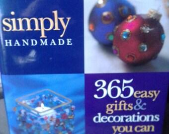 Craft instruction book. Meredith press,  Craft Book, 1998 craft book, Holiday craft book, all season crafts