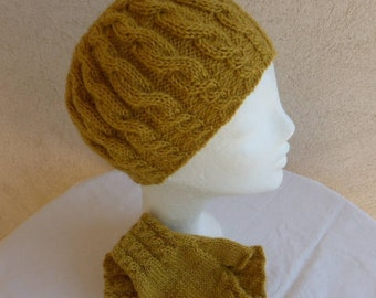 Hat and MITTENS pure wool mustard cable