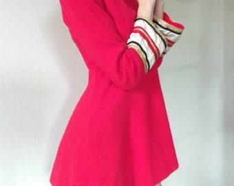 Vintage 60s Shift Mini Dress / Small