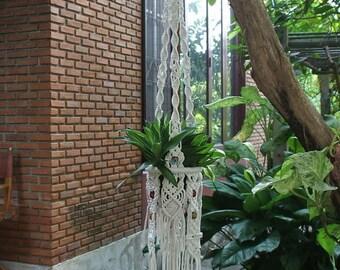 White macrame plant hanger Maya