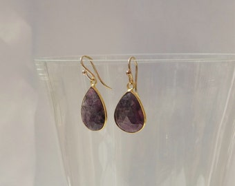 Plum Raw Sapphire Earrings