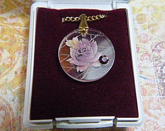 "Vintage Resin Pink Rose Pendant on Gold 18"" Chain in Gift Box - N-037"