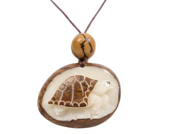 Tagua Nut Necklace: Box Turtle (1153-N348) P13