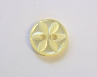 Button star 11 mm x 100 yellow 2 holes - 001590