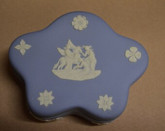 Wedgwood Blue Jasperware Pentefoil Bonbon Box