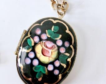 Hand painted Locket necklace / vintage locket / locket necklace