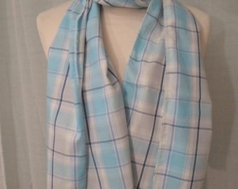 cotton scarf woven with pearls