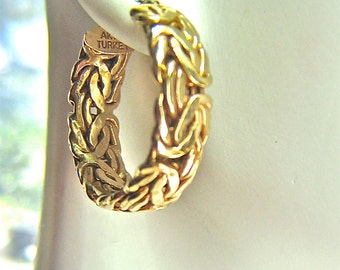 Beautiful 14kt Yellow Gold Hammered Chainmaille  Design Earrings with 14kt Earwire
