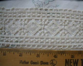 "Antique White Tatted look Diamond insert applique Lace Trim 2 5/8"" picot edges bobbin lace ecru retro BTY yards natural color edging"