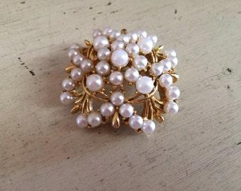 Vintage Lisner Faux Pearl Goldtone Bouquet Brooch Pin