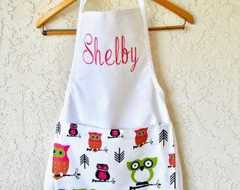 Girls personalized owl apron includes name.
