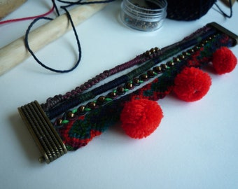 Bracelet multi strand Bohemian red/green