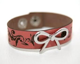 Bow Leather bracelet with laser engraved roses design - Bow bracelet