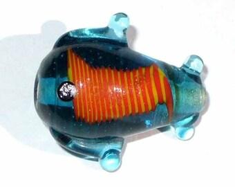 1 Pearl blue fish glass VIA28 25x20mm
