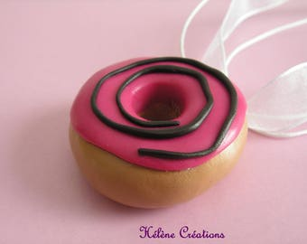 DELICIOUS RASPBERRY PINK SWIRL DONUT NECKLACE