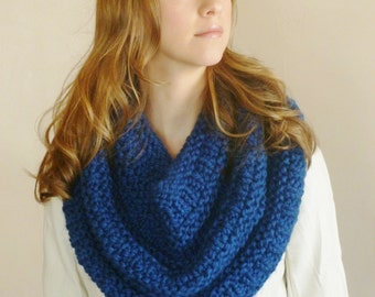Loop Scarf - Circle Scarf - Chunky Cowl - Knitted Infinity Scarf - Snood - Shawl -  Knit Cowl - Fall Fashion Accessories