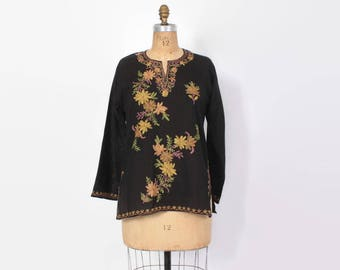 Vintage 70s Embroidered TOP / 1970s Soft Black Cotton Boho Tunic with Floral Embroidery