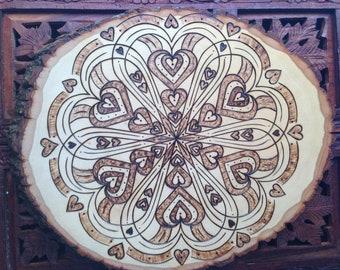 """12"""" Holz verbrannt Mandala-Scheibe - handgemachte Wand hängen, Heilige Geometrie Kunst, böhmische Wandkunst, Herz-Mandala"""