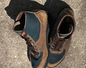 Lovely and rare vintage Vasque Sundowner Skywalk Gore-Tex Hiking Boots- Made in Italy in 1991 - Size 12 men's - may fit trans/other genders