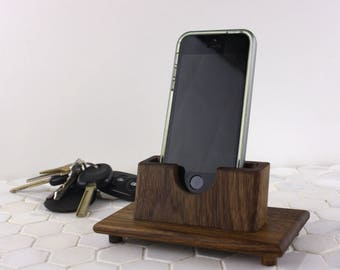 cellphone accessory, cell accessory, tech accessory, cell holder, cell phone accessory, cellphone holder, phone organization, charge station
