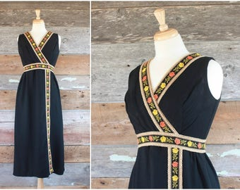 1970s maxi dress | 70s black dress w/ embroidered roses floral trim | size m