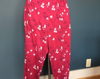 Knit pants with embroidery detail.