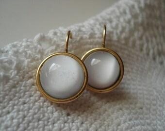 SALE Vintage White Moonstone Glass Earrings Gold Plated Luminous