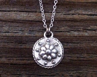 Renaissance Daisy Pewter Necklace