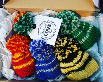 FOUR knitted hats with stripes and pom pom in Hogwarts houses colours (for Funko Pop figures)